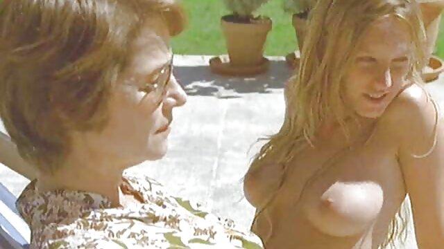 نوجوان ناز پرستوهای دیک پرش دانلود فیلم سکسی دختران زیبا دیک را می مکد و می گیرد