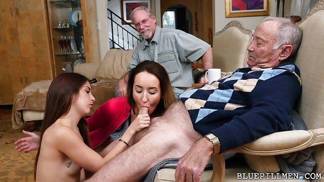 پاهایش پدر را از لبه خارج می زیبا sex کند