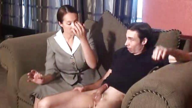 -لیلی پارکر فیلم سکسی بسیار زیبا دوست دارد در خروس سخت خود بیدار شود